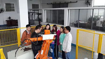 铁路学校工业机器人专业实训